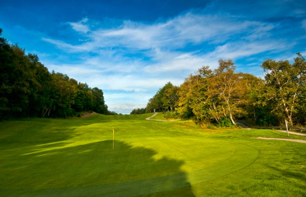 The challenging 8th hole at Highlands Links