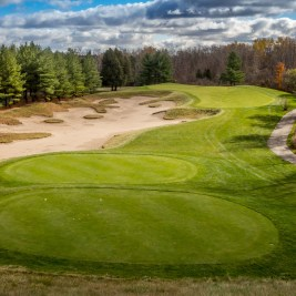 The Hoot's Stunning par-3 4th hole