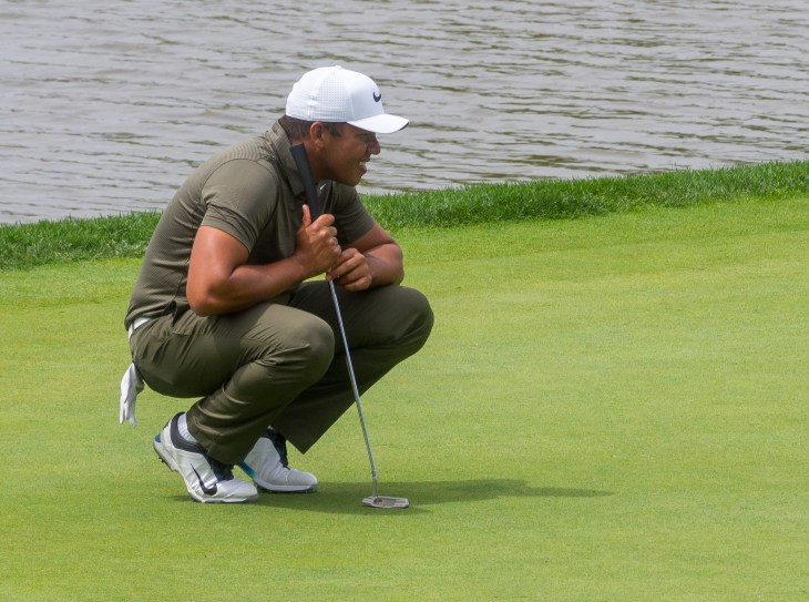 Jhonattan Vegas had a strong round and also sits at -8.