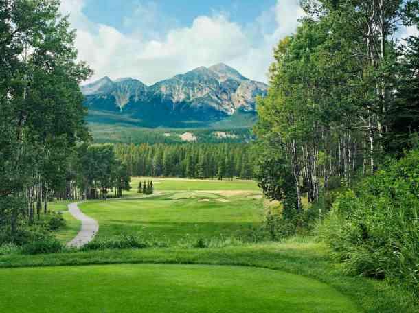 Fairmont Jasper Park Golf Club 9th hole