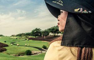 Black Mountain caddy (Image: Black Mountain Golf Resort)