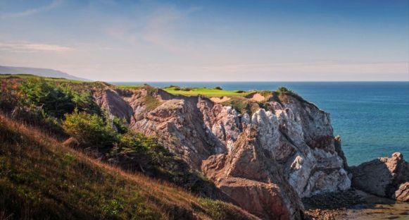 Cabot Cliffs signature par three 16th. (Image: Cabot Links)