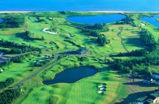 Links at Crowbush Cove (Image: Barrett S. MacKay)