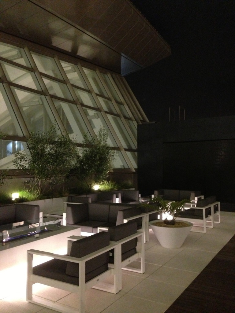 LAX Star Alliance Lounge First Class Outdoor Terrace