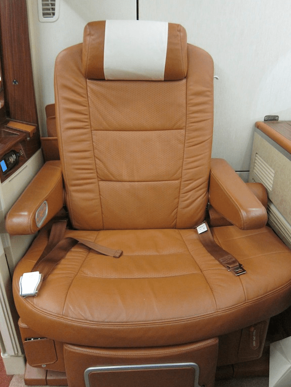 Singapore Airlines A380 Suites Old Seat Design