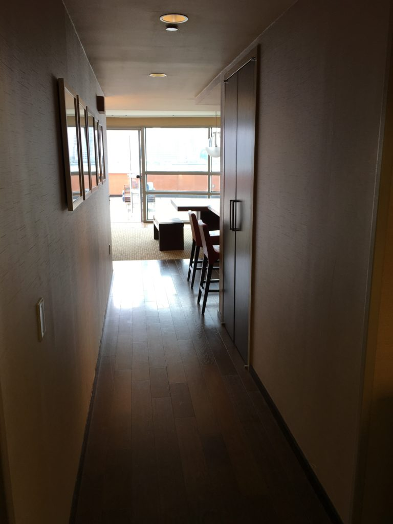 Hyatt Regency Jersey City Review - Hallway