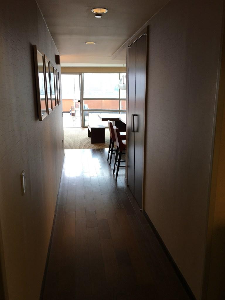 Hyatt Regency Jersey City Review - Hallway
