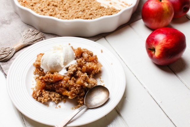 Apple Crumble Recipe - 20 Delicious Apple Dessert Recipes