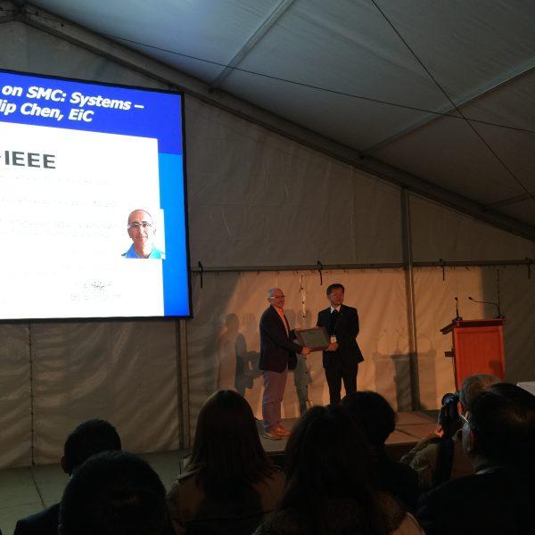 2-Premio-IEEETSMC-A-EHV-02-600x600