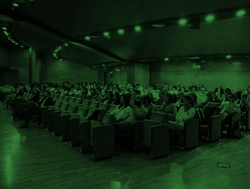 Reunión de personas en una conferencia de Química