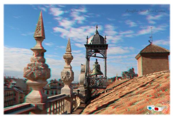 Anaglifo de los pináculos y templete en la cubierta de la Real Audiencia y Chancillería de Granada.