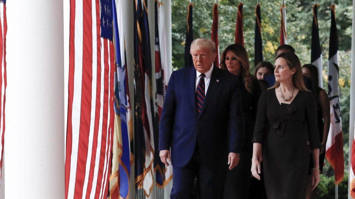 Photo Donald Trump et la juge Amy Coney Barrett