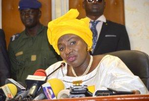 Photo Aminata touré en conférence de presse