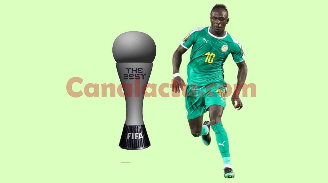 Image de Sadio Mané avec le trophée The Best Fifa Football Awards.