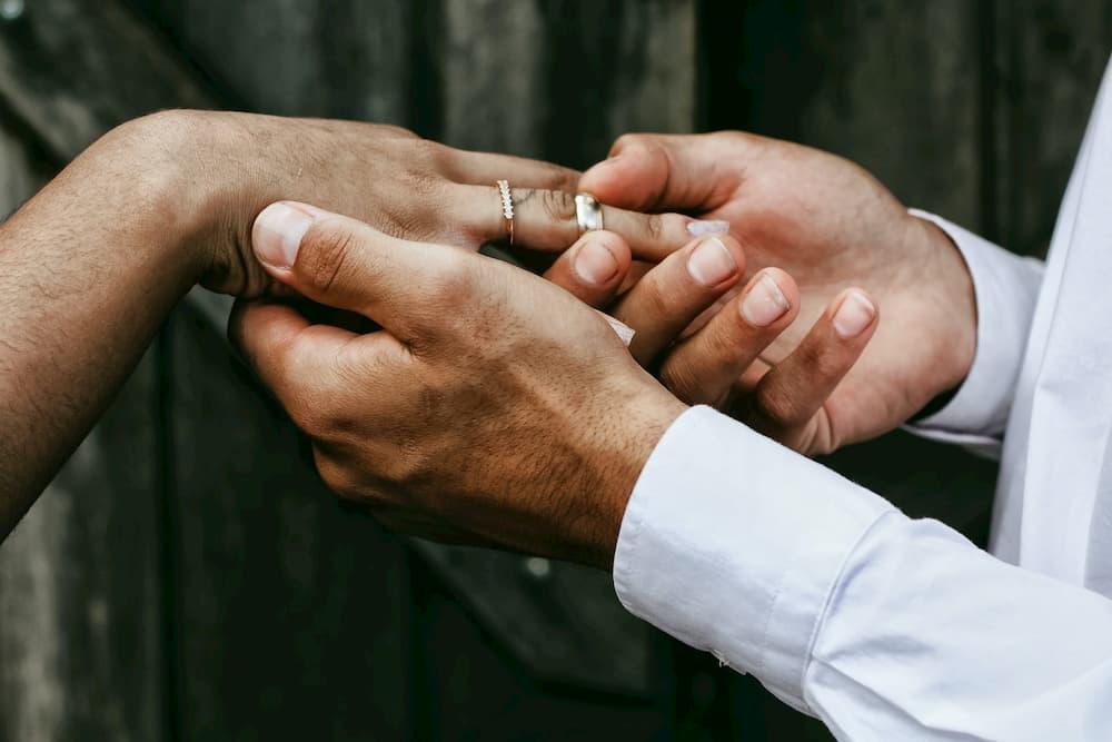 Photo d'illustration de Promesse de mariage.