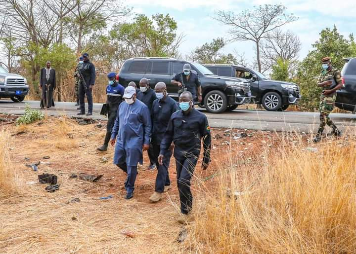 Macky Sall sur les lieux du Décès par accident de 3 journalistes de Leral
