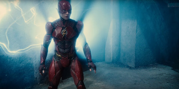 Flash na captura do Capitão Bumerangue. A Cena arrancou gritos eufóricos nas salas dos cinemas.