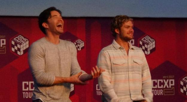 Tom Pelphrey e Finn Jones, de Iron Fist - Painel da Netflix