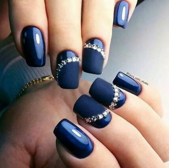 decoración de uñas con piedras 6