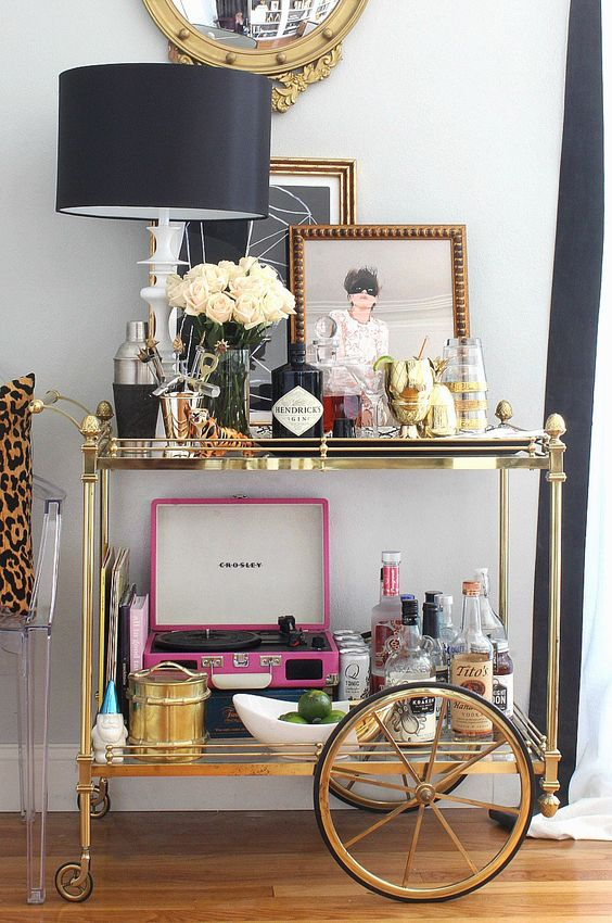 mini bar en casa 10 encantadoras ideas para armar el tuyo. Black Bedroom Furniture Sets. Home Design Ideas