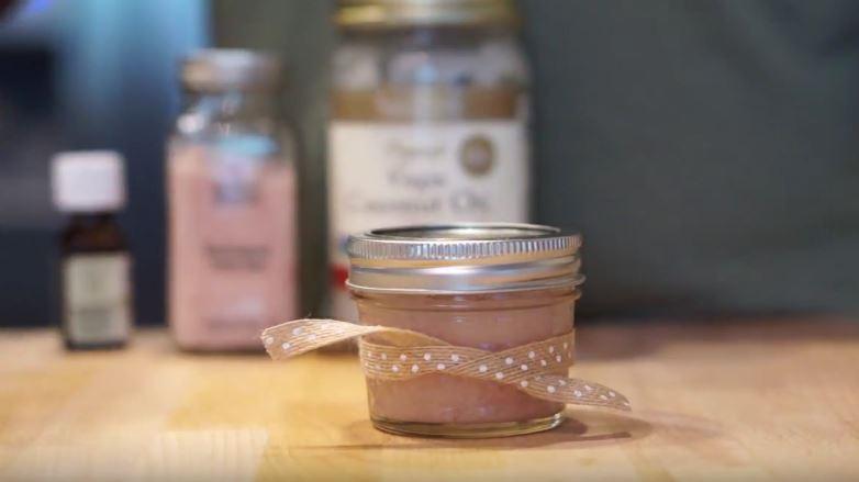 exfoliante de sal y aceite de coco casero