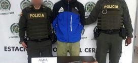Capturado portando un arma de fuego en El Cerrito Valle.