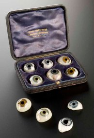 Faux yeux. 1890 © Science Museum/Wellcome Library