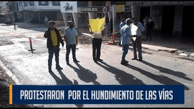 Photo of Otra problemática de aguas negras sobre las vías también fue denunciada en un video ciudadano