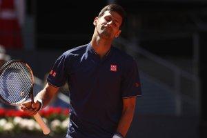 Djokovic se queja de su juego.