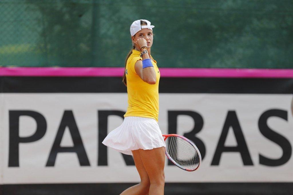 Emiliana Arango celebra un punto con Colombia en la Fed Cup