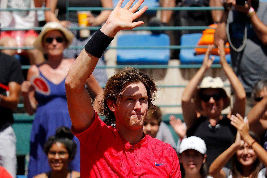 Jarry saluda al público tras un triunfo