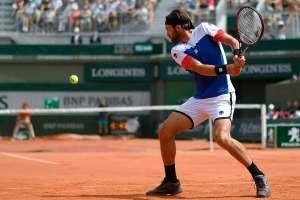 Basilashvili golpea un revés en Roland Garros