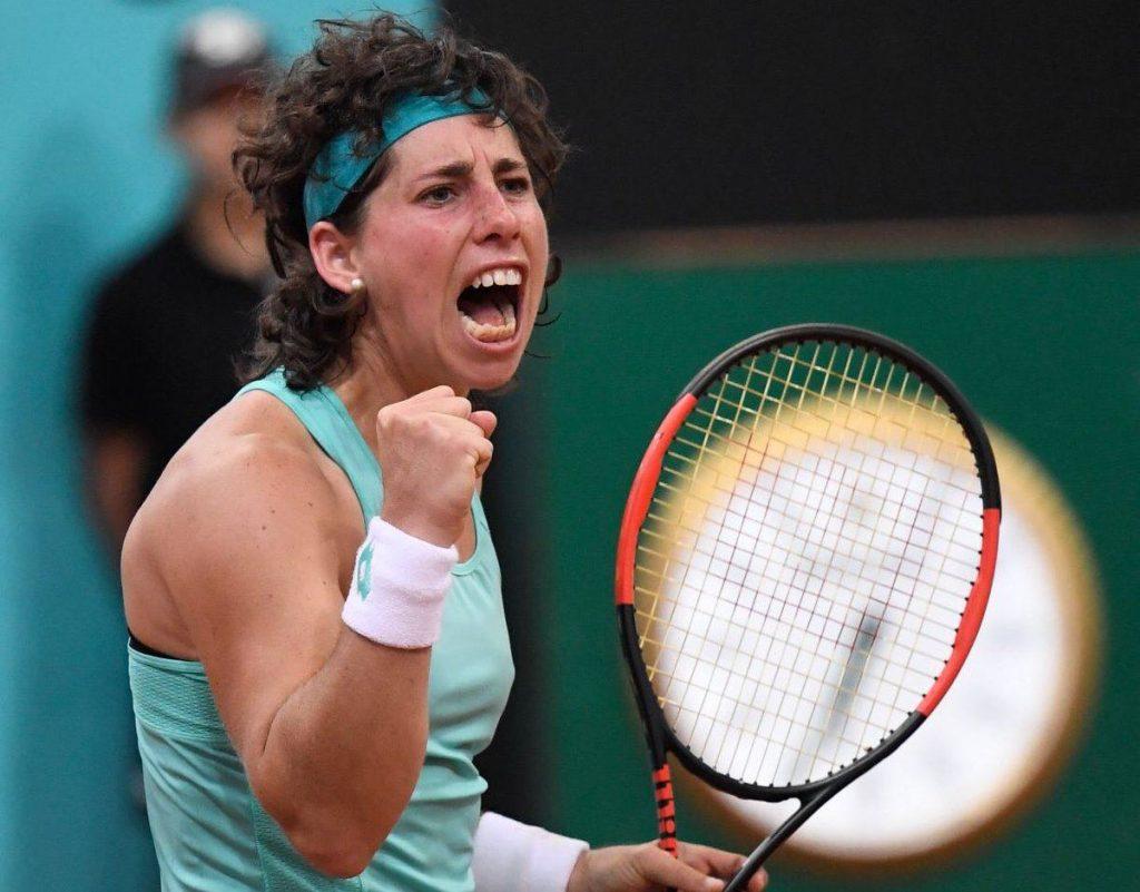 Carla Suárez celebra con rabia un punto en el Mutua Madrid Open
