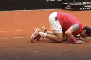 Jaziri besa la arcilla en el ATP de Estambul