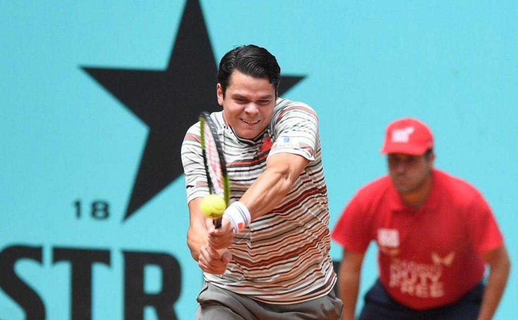 Raonic golpea un revés en el Mutua Madrid Open