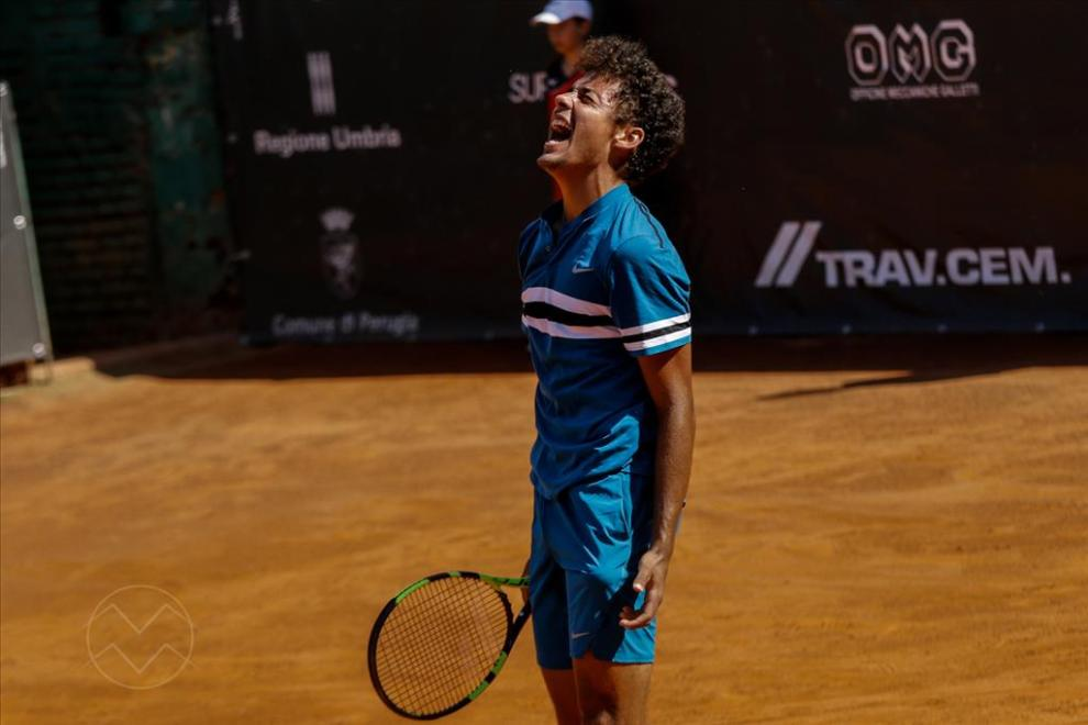 Ulises Blanch celebra el triunfo en el Challenger de Perugia