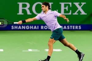 Federer disputando un partido en el Masters 1000 de Shanghai