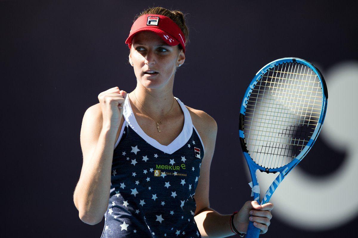Karolina Pliskova celebra un punto durante un partido