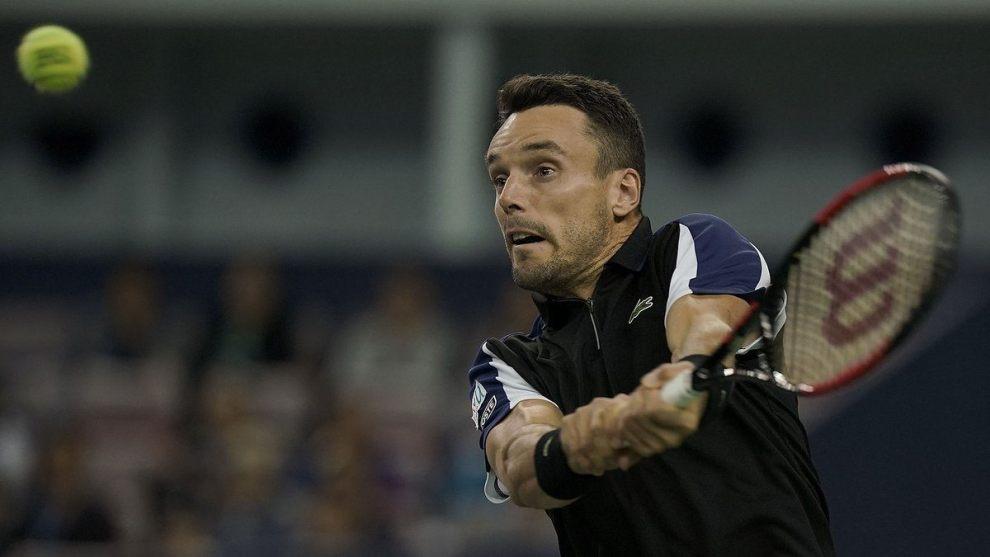 Roberto Bautista golpea una revés en el ATP de Basilea