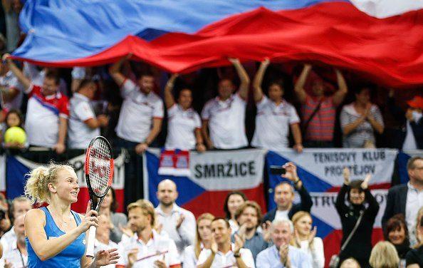 Siniakova celebra el triunfo en la final de la Fed Cup