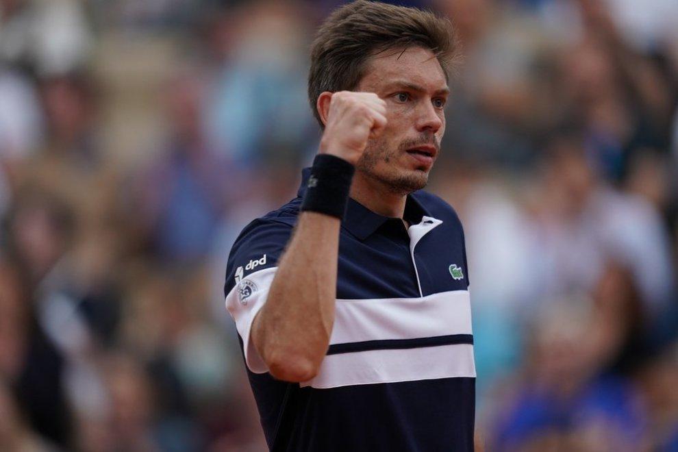 Mahut celebra un punto en Roland Garros