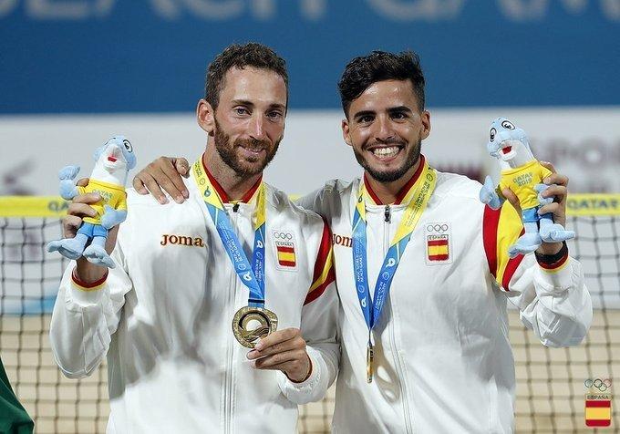 Gerard Rodríguez y Anotmi Ramos tenis playa