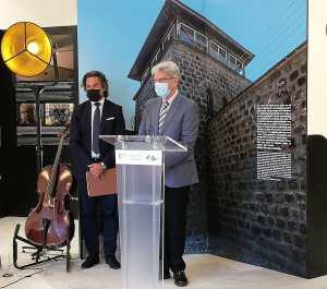 Gobierno y Parlamento homenajean a las víctimas canarias del campo de concentración y exterminio de Mauthausen