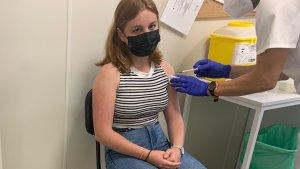 Sanidad inicia la vacunación en Tenerife y Gran Canaria a mayores de 14 años sin cita previa