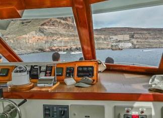 barco ferry puerto de mogan