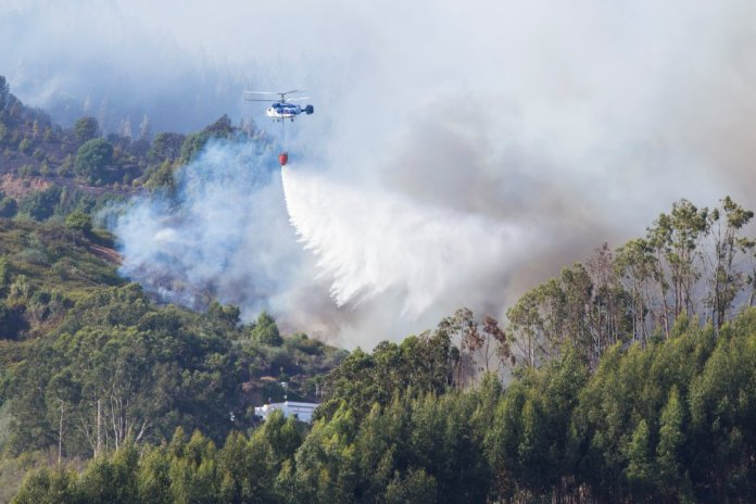 Helicopter en incendio gran canaria