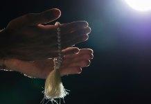 luna llena rezando