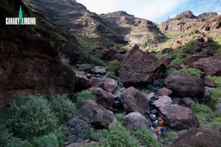 Canary-climbing-servicios-de-escalada-deportiva-islas-canarias-jorge-ortega-BOULDER-02