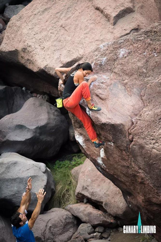 Canary-climbing-servicios-de-escalada-deportiva-islas-canarias-jorge-ortega-BOULDER-07