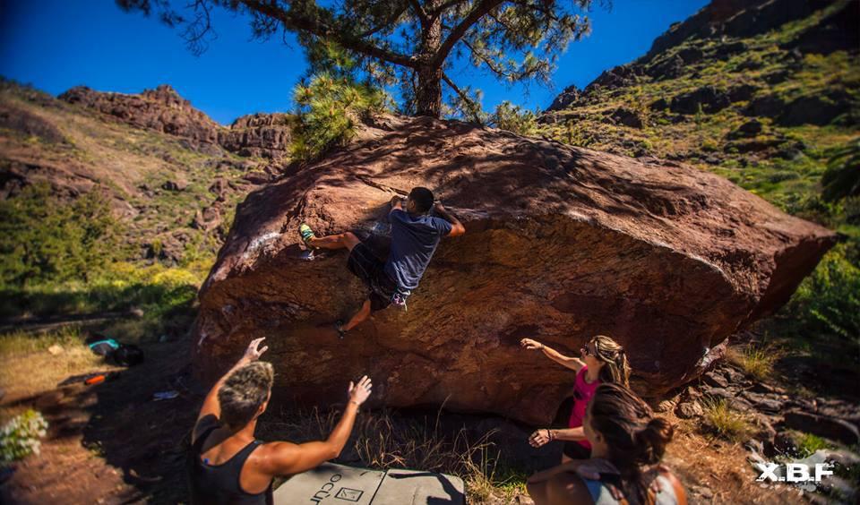 Canary-climbing-servicios-de-escalada-deportiva-islas-canarias-jorge-ortega-BOULDER-09